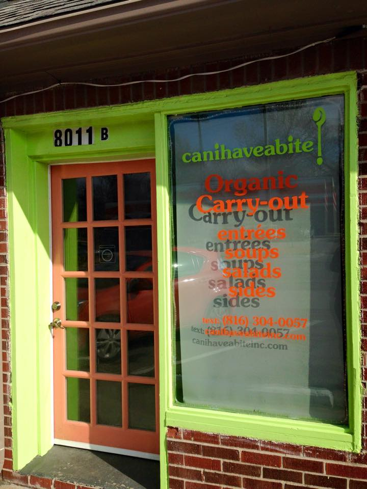 Front door of canihaveabite is easy to determine in the strip center off Wornall Road